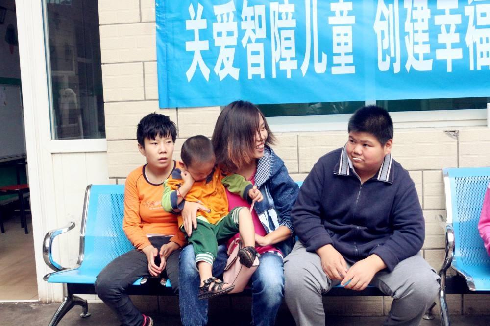 安发捐赠10万元,关爱重庆自闭症智障儿童