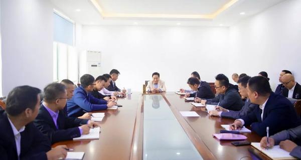 吴炳新:落实新营销模式 开创市场新局面
