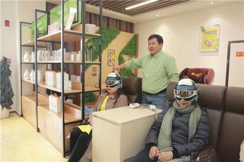 缅甸市场领导人体验北方大陆高科技产品