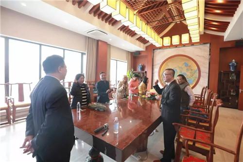 缅甸市场领导人积极参与会议,热情高涨